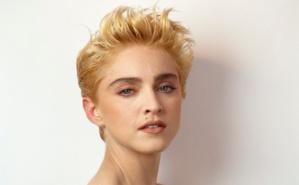 En 2021, la tendance est aux cheveux courts.