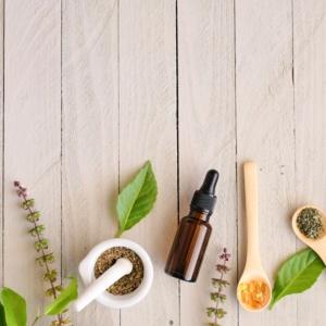 Des remèdes naturels contre les maux de bouche