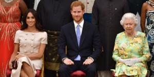 Elizabeth II prive le Prince Harry et Meghan Markle de la totalité de leurs patronages royaux.