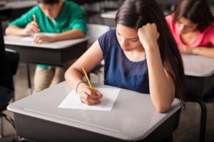 Evaluation de la place occupée par l'école dans les ménages