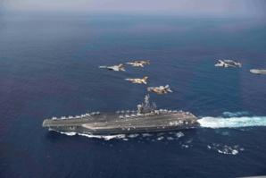 La photo qui a fait craquer les internautes marocains: des chasseurs marocains et américains survolant en escadrille le porte-avion USS Eisenhower