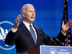 Vidéo : Joe Biden a trébuché 3 fois avant de monter l'avion