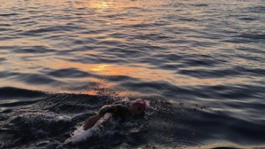 Héro : Un Marocain nage jusqu'à Sebta pour récupérer son neveu