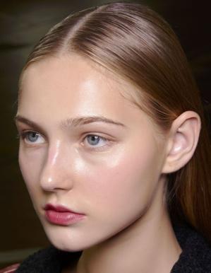 Les tendances maquillages du printemps-été 2021