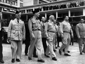 En 1961, les généraux Zeller,  Jouhaud, Salan et Challe ont tenté de renverser le Général De Gaulle