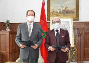 M. Abdellatif Jouahri, Wali de Bank Al-Maghrib et Dr. Edward Christow, représentant résident du PNUD au Maroc