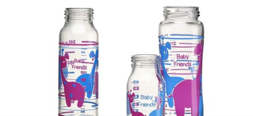 Des microplastiques avalés par les bébés avec le lait