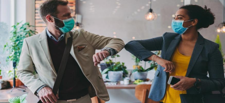 Pas de bise : comment se saluer au temps du Coronavirus ?
