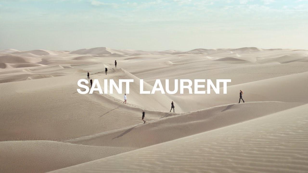 Saint Laurent : Le défilé printemps-hiver 2021 dans les dunes du Sahara marocain