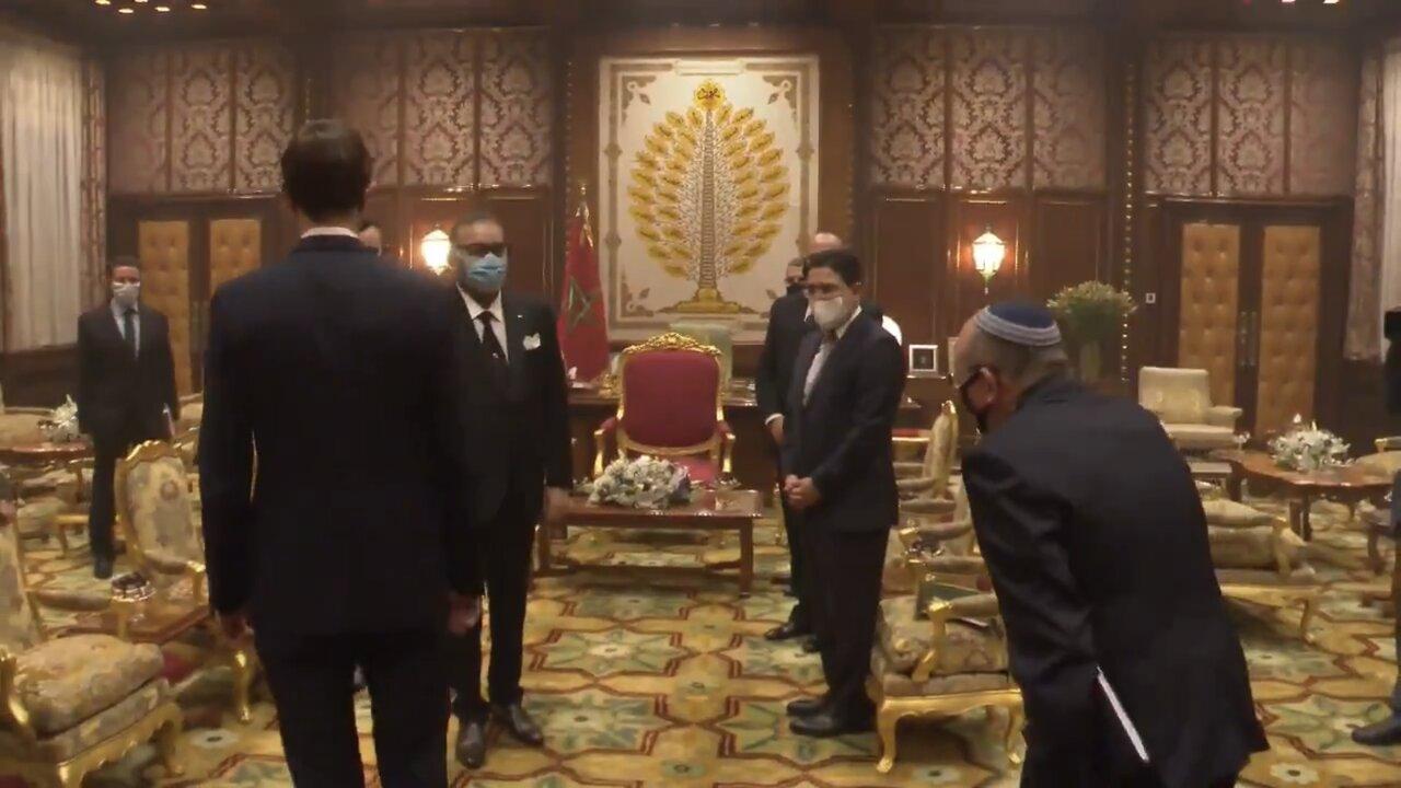 SM le Roi recevant Meir Ben-Shabbat, conseiller à la sécurité nationale d'Israël