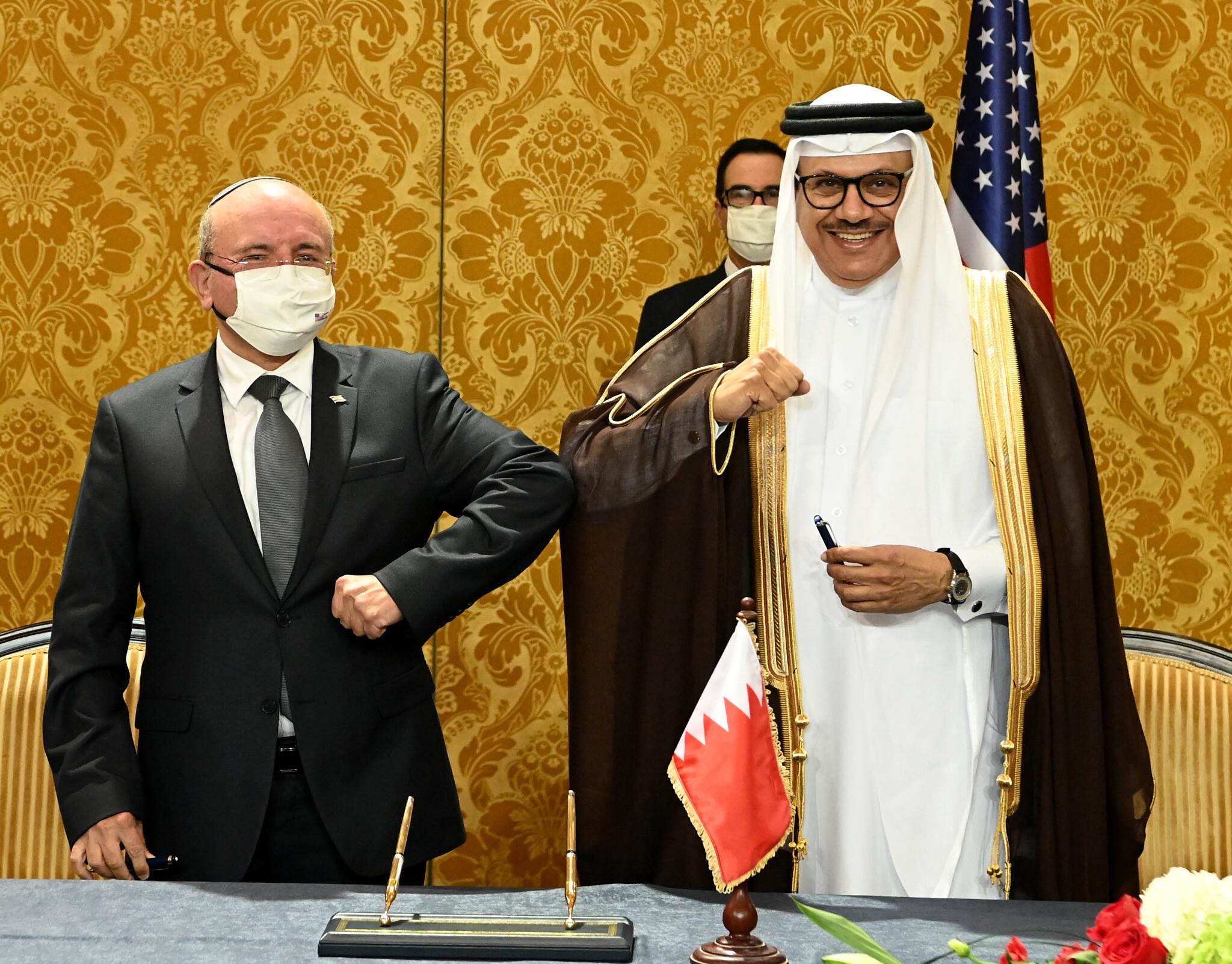 Meir Ben-Shabbat avec le Roi du Bahreïn