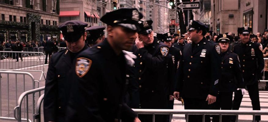 Le NYPD n'obligera plus les femmes à enlever leur hijab pour des photos d'arrestation