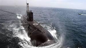 Manœuvres de sous- marins nucléaires au Canal de Suez  et au Détroit d'Ormuz