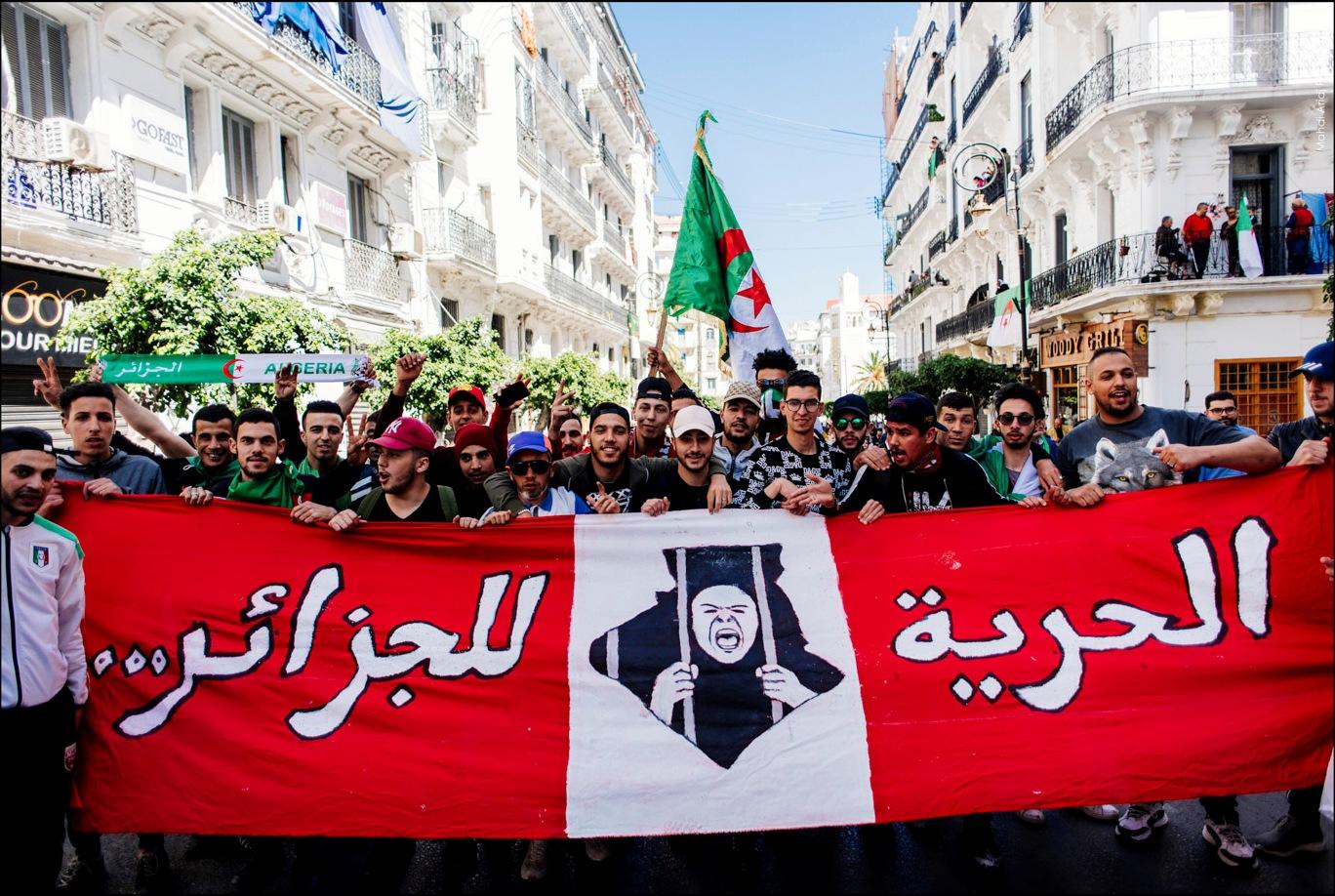 De la déchéance des mœurs politiques en Algérie