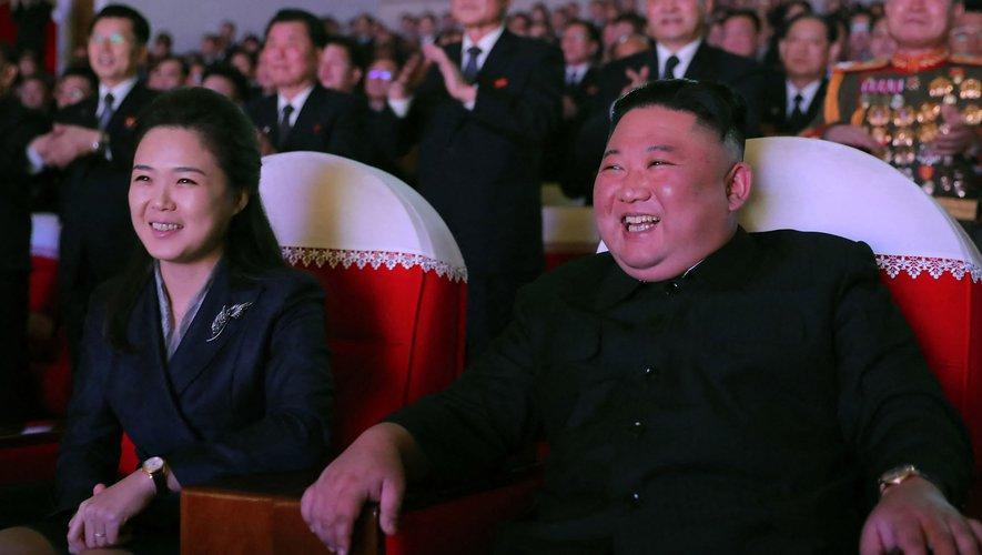 La femme de Kim Jong-un, apparaît pour la première fois en un an !