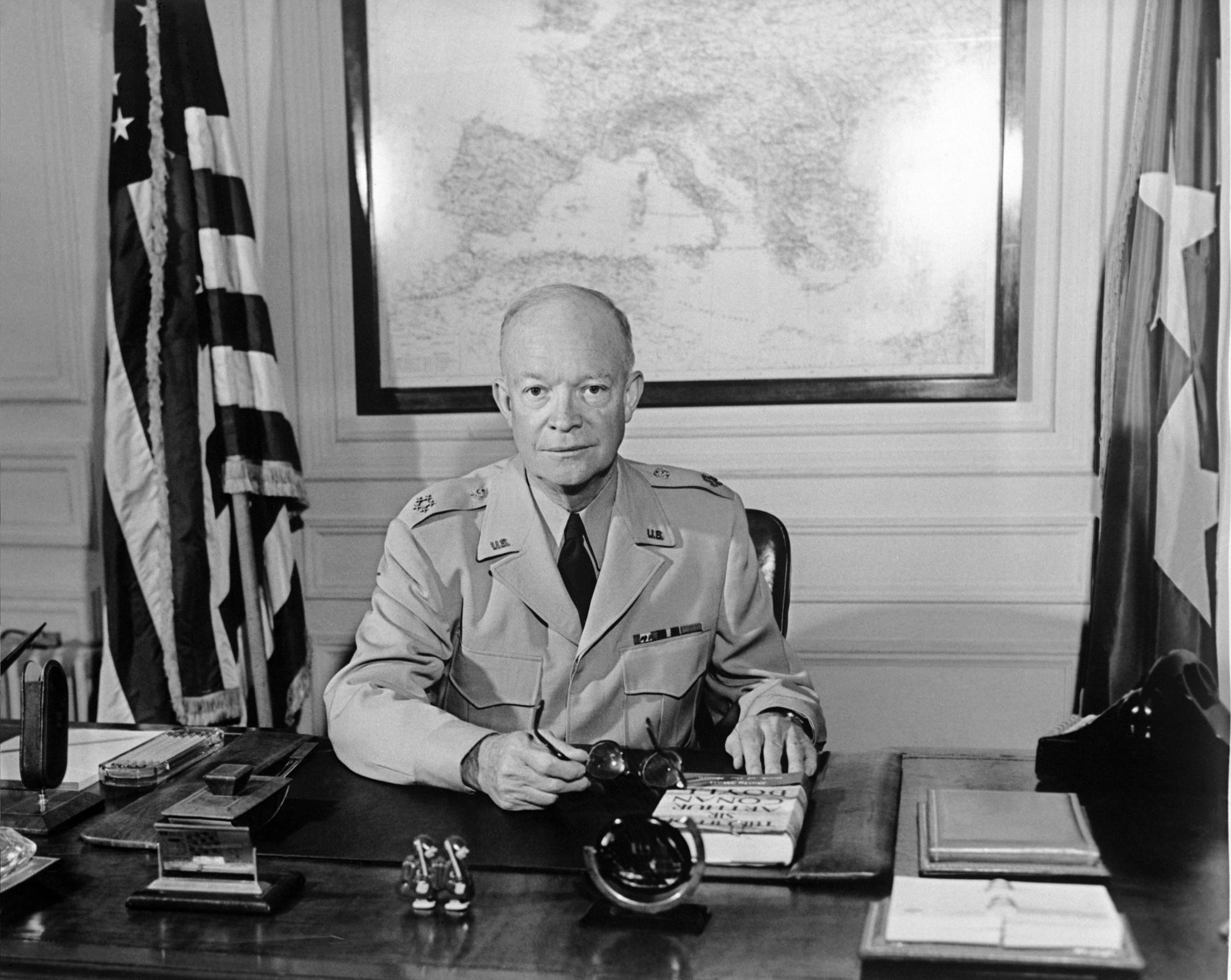 Il y a plus d'un demi-siècle, le président Eisenhower prévenait du danger que représente le complexe militaro-industriel
