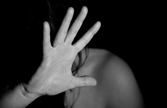 Une petite nature, victime de viol et d'inceste…