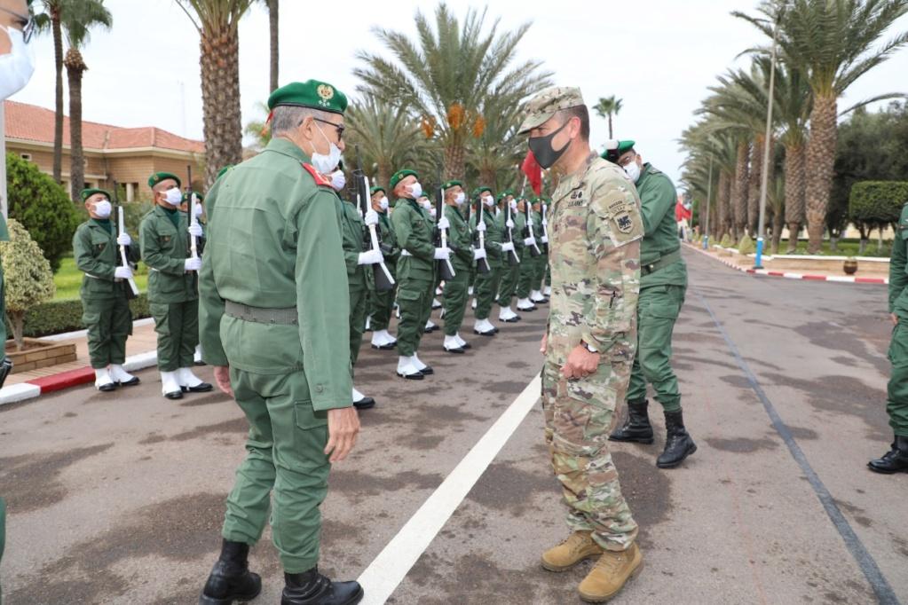 Le Général El Farouk Belkhir recevant le Général Andrew Rohling