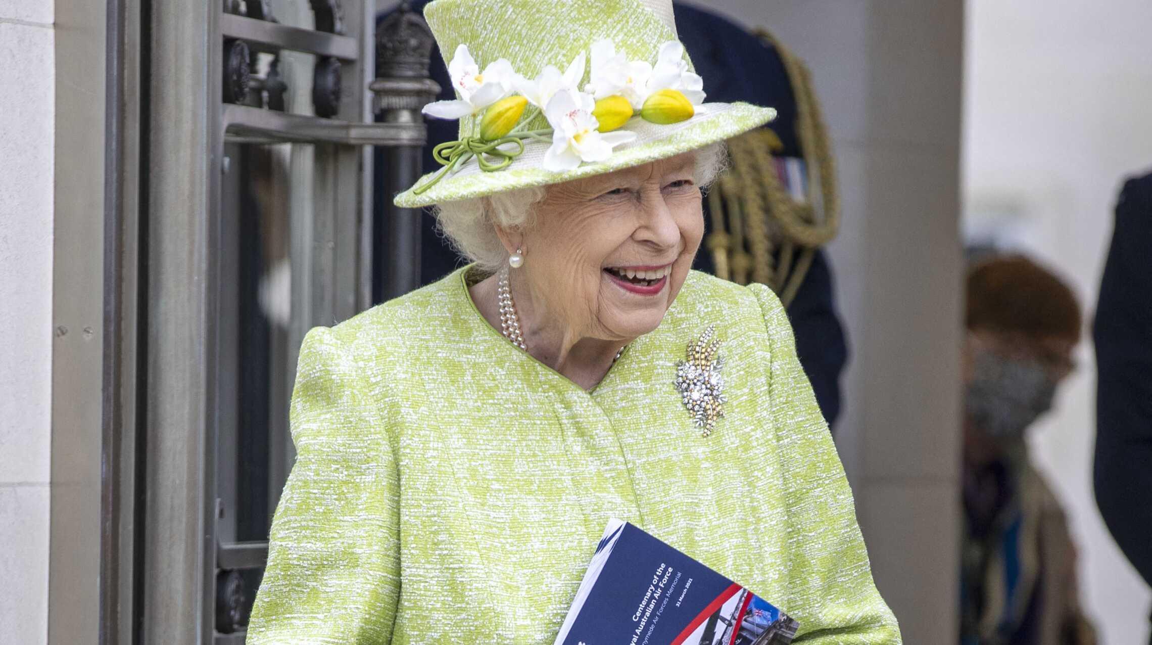 Première apparition de la reine Elizabeth II après 5 mois