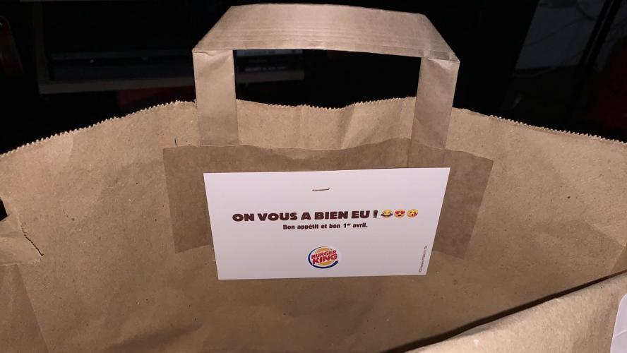 La blague de Burger King : Livrer les commandes dans l'emballage de McDonald's