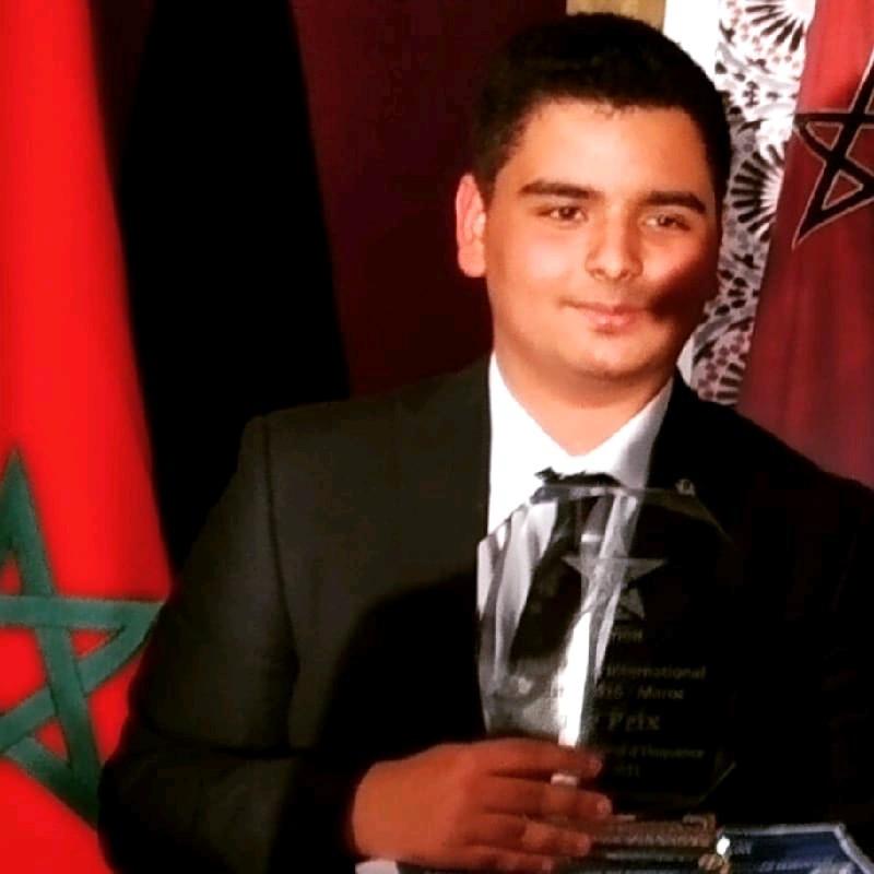 Amine Lehna remporte  le prix lycéen en langue française
