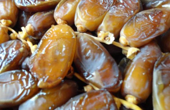Saisie de 18 tonnes de dattes algériennes impropres à la consommation