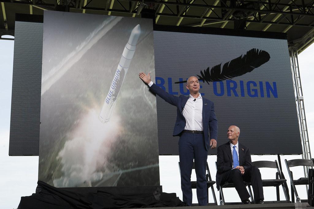 Décollage du milliardaire Jeff Bezos vers l'espace  !