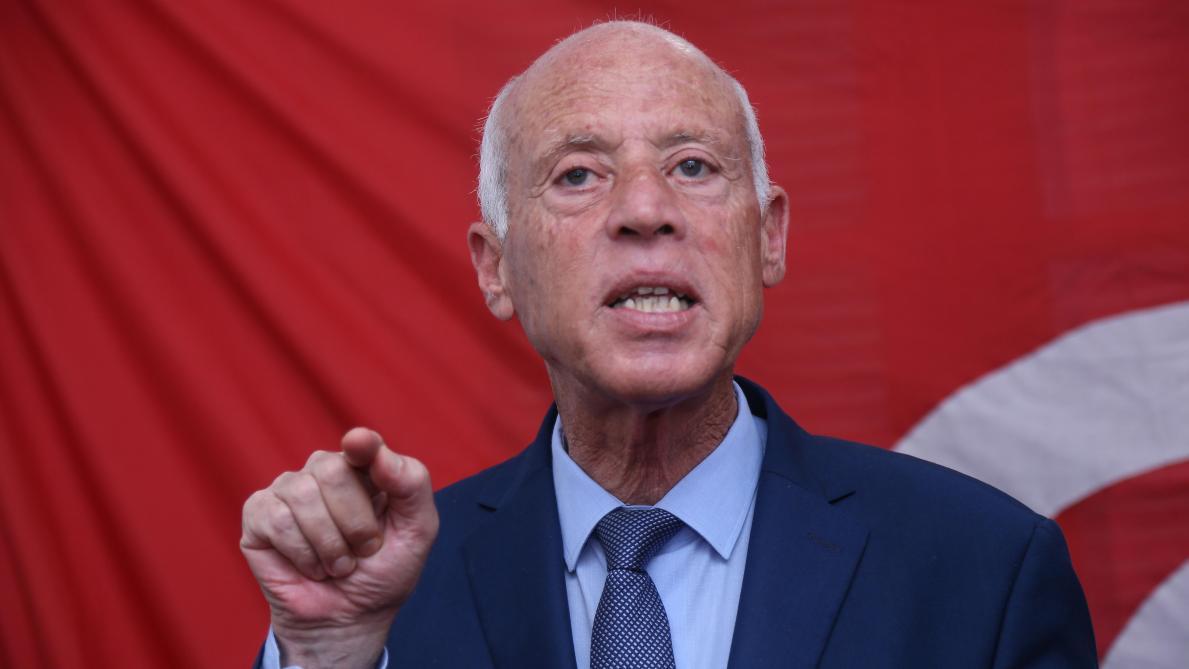 Le président tunisien Kaïs Saïed concentre désormais tous les pouvoirs entre ses mains