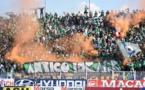 Public dans le stade d'El Jadida.