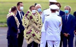 Emmanuel macron recouvert de fleur en Polynésie, vrai ou faux ?