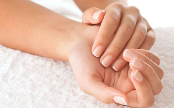 Astuces naturelles pour soigner les ongles et les cheveux