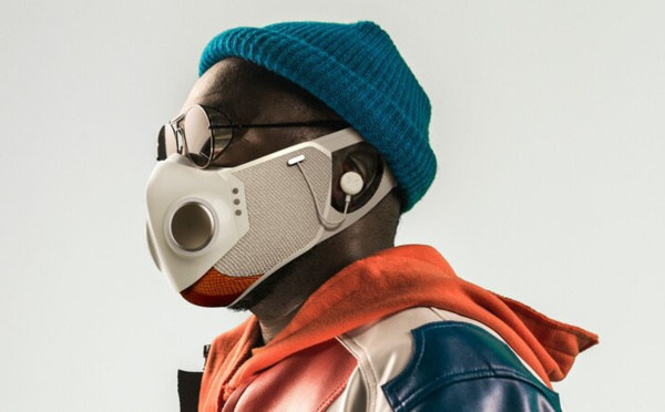 Le chanteur Will.i.am sort un masque anti-covid connecté !
