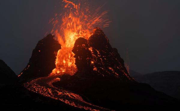 Des images sublimes du volcan Fagradalsfjall en Islande