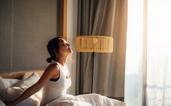Se lever une heure plus tôt, réduirait les risques de dépression de 23%