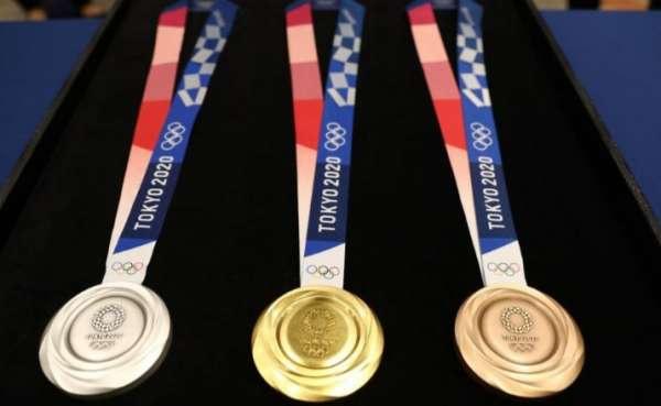 JO 2021: Les médailles fabriqués à partir de smartphones et d'ordinateurs recyclés