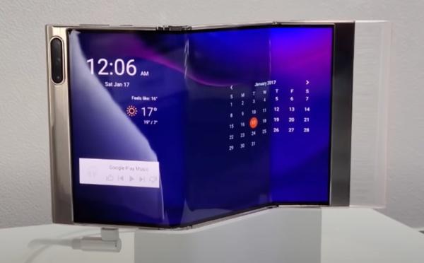 Samsung prépare un smartphone pliable en trois