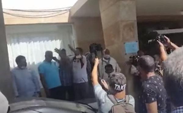 """Chaos et """"menaces de mort"""" reportent l'élection du maire de Rabat"""