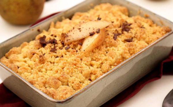 Rcette du crumble aux poires, amandes et chocolat